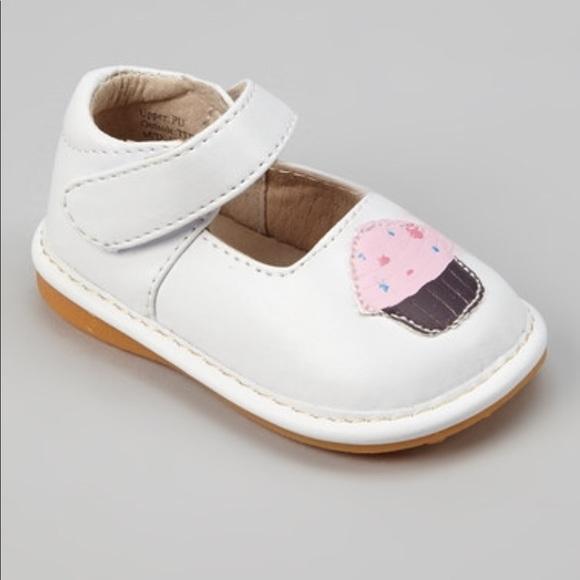 48e1bb5ac2 Laniecakes White Cupcake Mary Jane Squeakers - 7